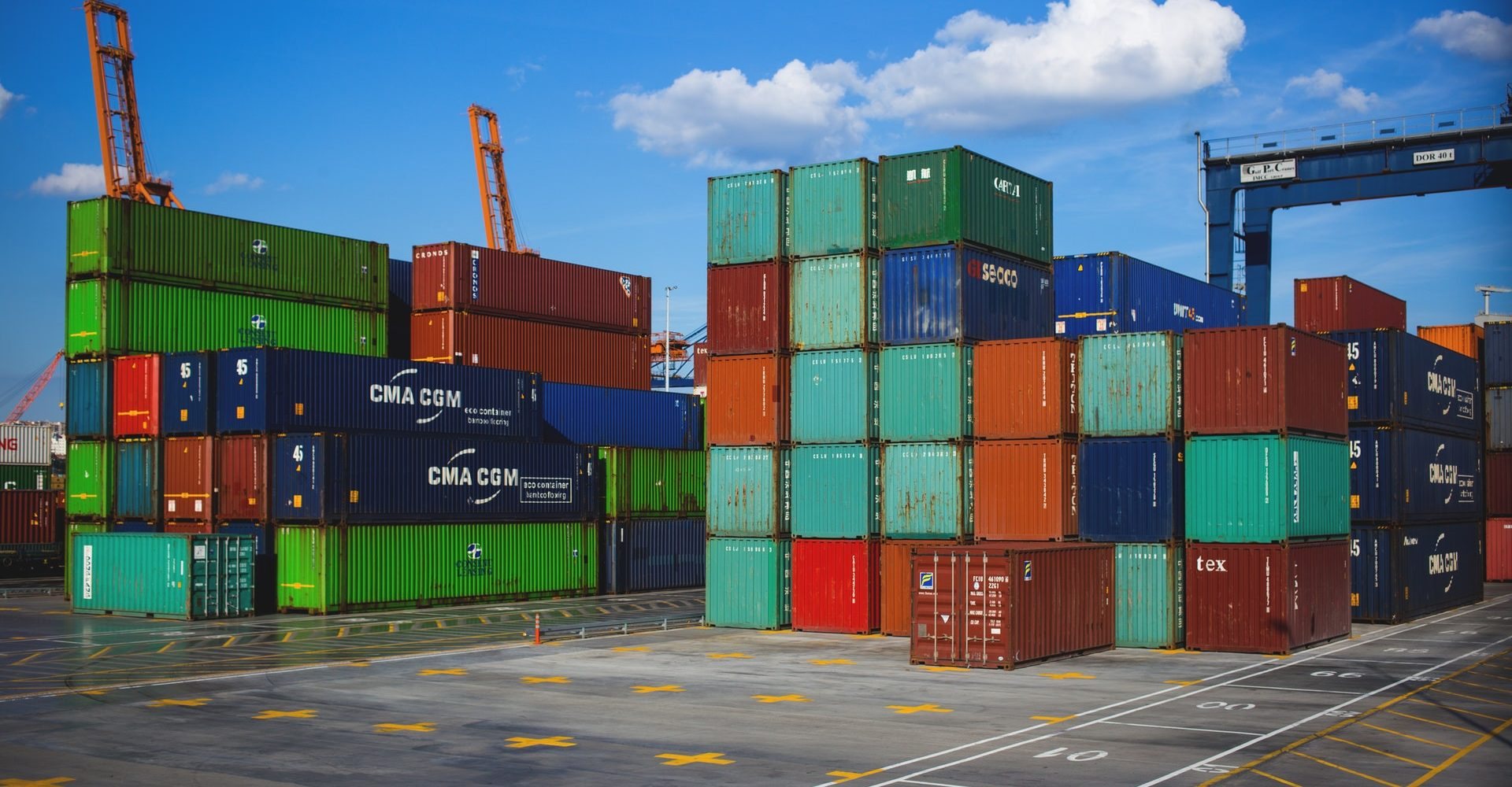 steel-container-on-container-dock-122164